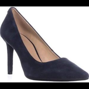 Michael Kors Dorothy Flex pumps in Admiral Navy